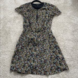 Banana Republic Dresses - Banana republic floral dress, pockets